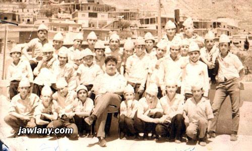 أرسلت من قبل السيد ماجد محمود. التقطت آواخر الستينات طلاب من المدرسة الابتدائية في مجدل شمس وفي الوسط المربي صقر أبو صالح