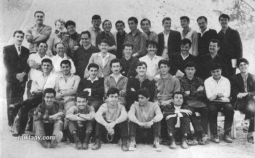 يقول مضاء المغربي عن الصورة 72: أسماء المعلمين في الصورة المرسلة من قبل السيدة أميمة أبو صالح والتي التقطت عام 1967 خلال دورة دراسية في اللغة العبرية في الصف الأوّل في الأسفل من المين إلى اليسار الأساتذة , فهمي موسى(الغجر), المرحوم بهجت مرعي (مجدل شمس) , جميل بريك(مجدل شمس) , جميل عواد (مجدل شمس), أحمد أصلان (المغار). في الصف الثاني, من المين الأساتذة , محمود كنج أبو صالح (مجدل شمس) , سلمان منذر (عين قنية) , مجيد طربية (مجدل شمس), علي منصور أبو صالح (مجدل شمس) , جمال محمد المغربي (بقعاثا) , حسن البطحيش (مسعدة) , فارس شمس (بقعاثا) ,أحمد مرسل عماشة (بقعاثا) , علي أبو شاهين (بقعاثا) . في الصف الثالث, من اليمين الأساتذة , المرحوم حسن رباح (مجدل شمس) , فارس سعيد عماشة (بقعاثا) , جميل البطحيش (مسعدة) , توفيق محمد عماشة (بقعاثا) , سميح أبو صالح (مجدل شمس) , أبراهام شيمش(معلم في الدورة) ,أيزاك (مركز الدورة) , أرييه (معلم في الدورة) , المرحوم شامل أبو صالح (مجدل شمس) , الصف الرابع , من اليمين الأساتذة , أسعد فارس عبد الولي (سحيتا), كامل رباح (مجدل شمس) , حسن الخطيب (الغجر) , أحمد الخطيب (الغجر) , قاسم محمود الصفدي (مجدل شمس), أستاذ من عائلة زيدان (دالية الكرمل) ,فايز حمود الصفدي (مجدل شمس) ,إلياهو (معلم في الدورة) , حسن فخر الدين (مجدل شمس) , صقر سليمان أبو صالح (مجدل شمس) , هايل توفيق إبراهيم (مسعدة) , المرحوم أسعد محمود عبد الولي (مجدل شمس) . تقول فاتن فخر الدين عن الصورة 72: تحية عطرة للاخت اميمة,عرفت من المعلمين الكرام مع حفظ الالقاب كلا من: اسعد عبد الولي(مسعدة),كامل رباح, - ,قاسم الصفدي,سليمان زيدان؟؟,فايز الصفدي,ماجد حبوس,حسن فخرالدين,صقر ابو صالح,هايل ابراهيم (مسعدة),اسعد الولي,حسن رباح,فارس سعيد عماشة,جميل البطحيش,صالح عماشة,سميح ابو صالح,شامل ابو صالح,محمود كنج ابو صالح,سلمان منذر,مجيد طربية,علي منصور ابو صالح,-,حسن جواد بطحيش,هاني شمس,-,فارس شمس , سعيد العجمي,بهجت مرعي,جميل بريك,جميل عواد,-...وباقي السادة هم من الجليل اذكر اسمائهم لكن غير متاكدة من تشخيصهم....اميمة هناك الكثير من الصورالمشتركة بيننا من ذكريات الطفولة؟؟.